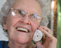 old_lady_phone